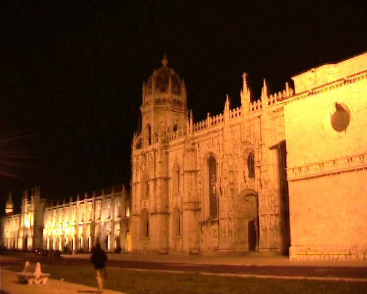 البرتغال رائعة الجمال church_Portugal.jpg